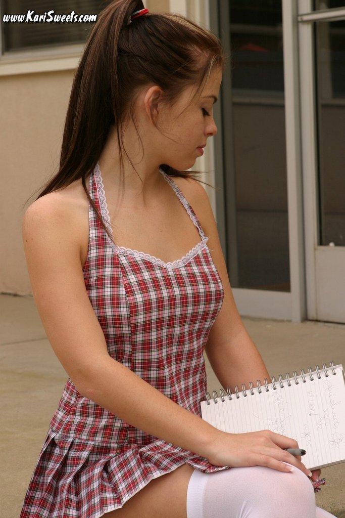 sexy-schoolgirl-3