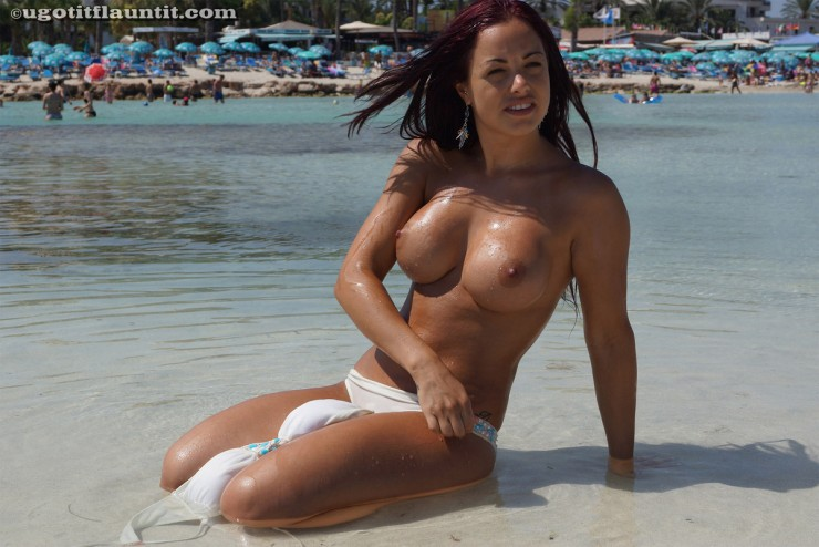 topless-on-the-beach-4