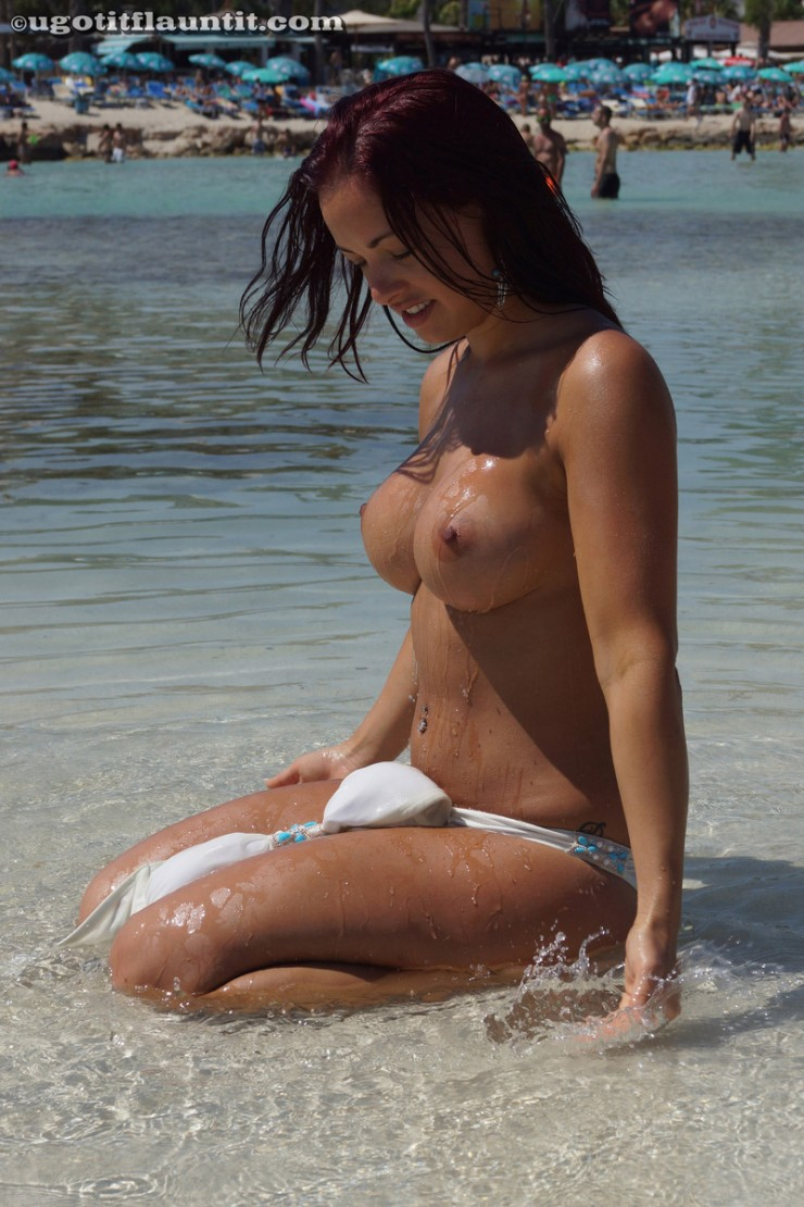 topless-on-the-beach-7